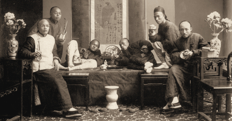 Under the Qing dynasty and under the Republic of China, opium smoking was much more widespread among the high society than among the population in general.